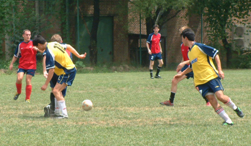 2003 0803 midfield action